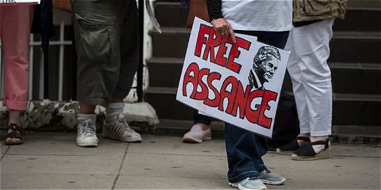 Assange cumplió 4 años refugiado en embajada ecuatoriana en Londres