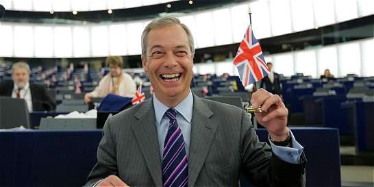 Nigel Farage reclama la formación de gobierno pro Brexit