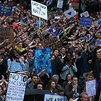 Líderes europeos le piden al Reino Unido irse de la UE con rapidez