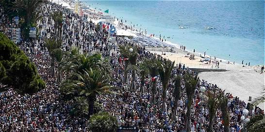 En Niza siguen sin hallar lazos del terrorista con el Estado Islámico