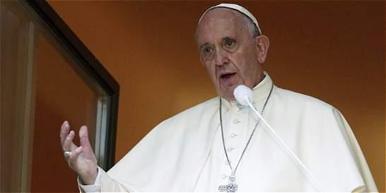 Papa Francisco instó a los jóvenes para que acojan a los refugiados