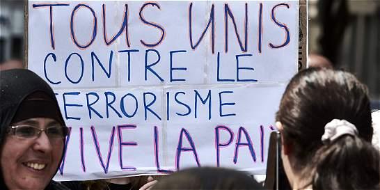 Los franceses tratan de aprender a vivir bajo la amenaza de atentados