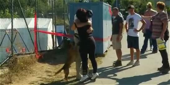 Video: conmovedor reencuentro de una pareja tras terremoto en Italia