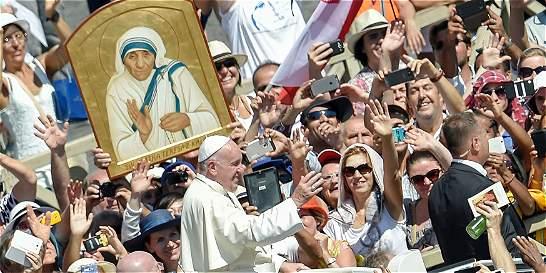 'La madre Teresa siempre trabajó en defensa de la vida humana': Papa