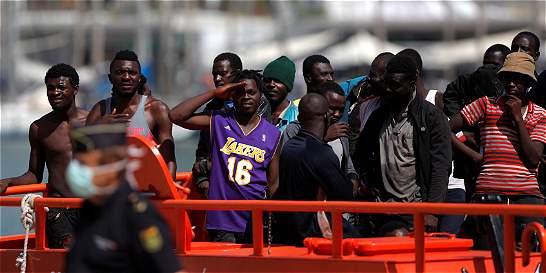 Recuperan cadáveres de 15 inmigrantes cerca de las costas de Italia