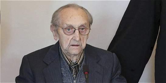Comienza en Alemania el juicio a exenfermero nazi de Auschwitz