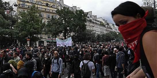 Doce heridos en manifestación contra la reforma laboral en París