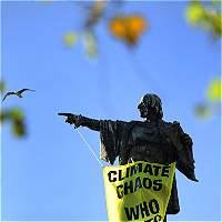 Piden retirar la estatua de Cristobal Colón de Barcelona