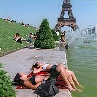 Crearán en París un espacio al aire libre para los nudistas