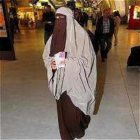 Cámara baja suiza aprueba prohibición de la burka en todo el país