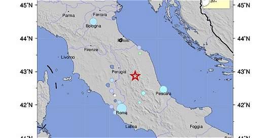 Dos fuertes sismos se sienten en el centro de Italia
