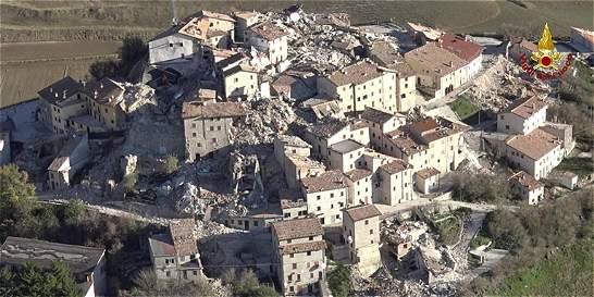 Miles de personas sin techo en Italia tras el sismo del domingo