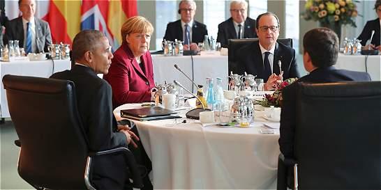 Obama y líderes europeos piden mantener cooperación dentro de la OTAN