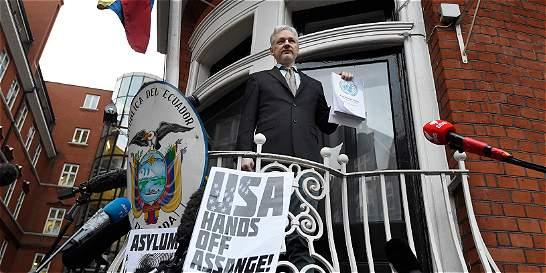 Fundador de Wikileaks reclama libertad tras fallo de la ONU a su favor