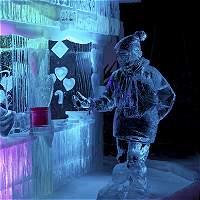 Veinte artistas convierten 200 toneladas de hielo en esculturas