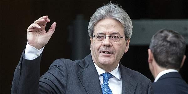 Gentiloni presenta a sus ministros y cambia Interior Educación y Exteriores