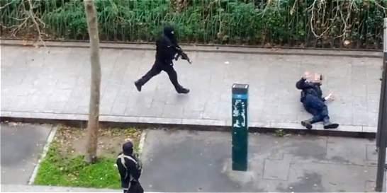 Francia rinde homenaje a víctimas de atentado contra 'Charlie Hebdo'