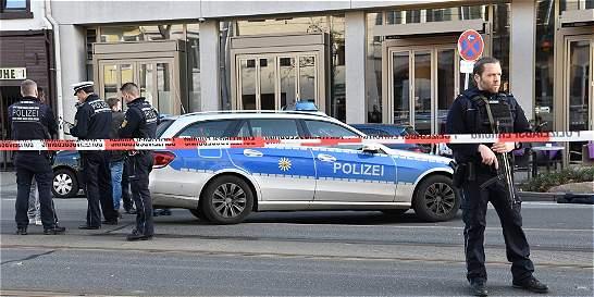 Un muerto por auto que arremetió contra peatones en Alemania