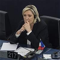 Le Pen se queda sin inmunidad por trinos sobre Estado Islámico en 2015
