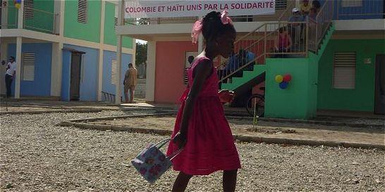 Un barrio haitiano encarna solidaridad de los colombianos