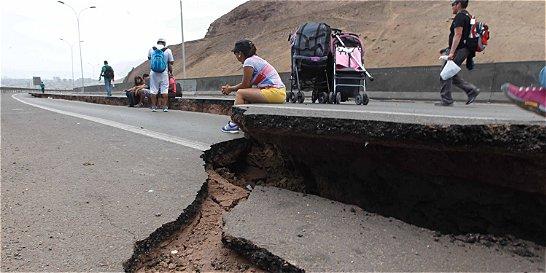 Terremoto pone a prueba nuevo gobierno de Michelle Bachelet