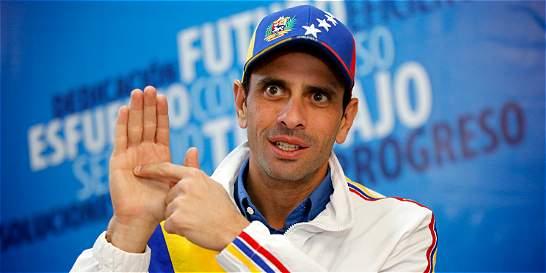 Capriles pide
