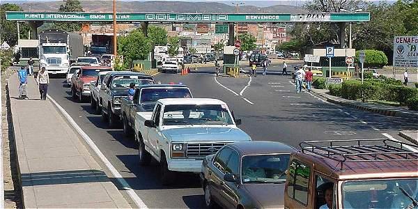 Paso fronterizo que une a Cúcuta con San Antonio del Táchira (Venezuela).