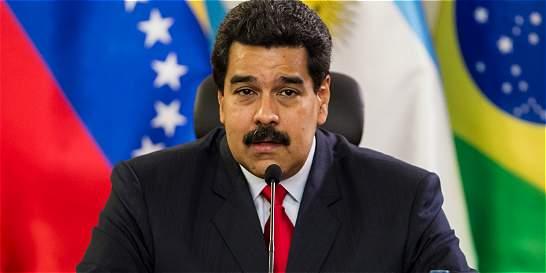 Maduro prorrogó tres meses cierre nocturno de frontera con Colombia