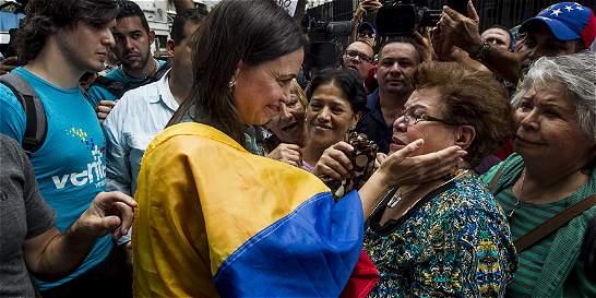 María Corina Machado, libre pero imputada por magnicidio