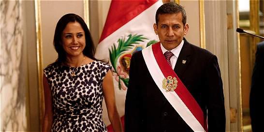 Investigan a primera dama de Perú por presunto lavado de activos