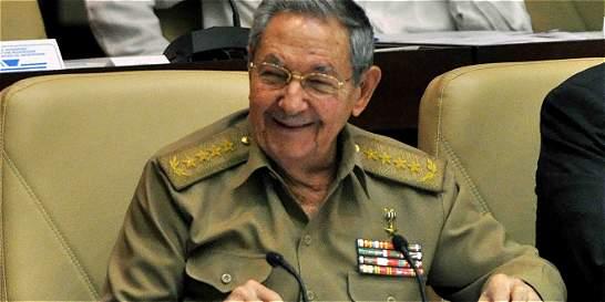 Raúl Castro llamó a Barack Obama y le pidió flexibilizar el embargo