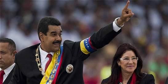 Cilia Flores, al rescate de la familia chavista
