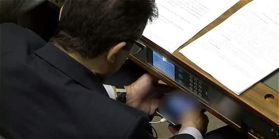 Diputado brasileño fue grabado mientras veía porno en el Congreso