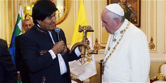 Evo Morales, criticado por querer 'politizar'  la visita del Papa