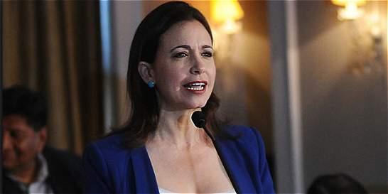 Inhabilitan a María C. Machado para ejercer cargos públicos por un año