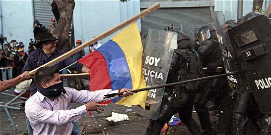 En violencia termina primer día de paro nacional en Ecuador
