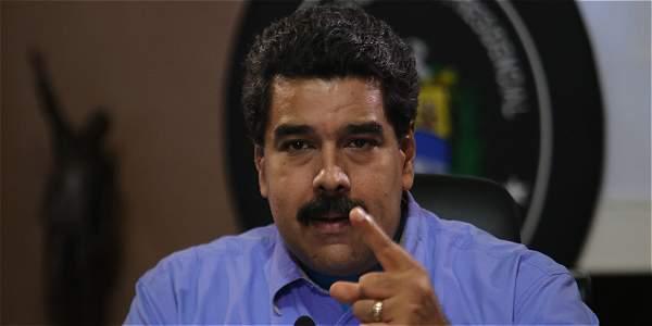 Nicolás Maduro sostuvo una reunión en el palacio presidencial con parte de su gabinete de gobierno. El mandatario decretó el estado de excepción en la zona fronteriza con Colombia.