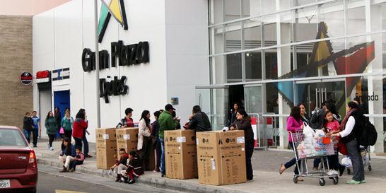 ¿Por qué Correa no quiere que ecuatorianos compren en Colombia?