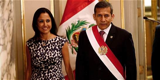 Primera dama del Perú será investigada por un 'carrusel de contratos'