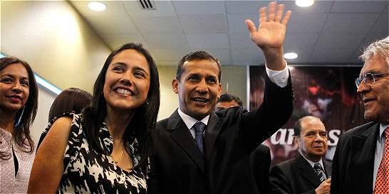 Investigan a primera dama de Perú por usurpar funciones del Presidente