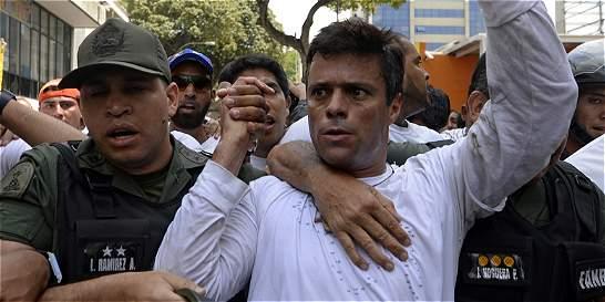 Familia de Leopoldo López pide su libertad tras huida de Fiscal