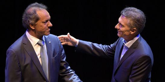 Oficialista Scioli no descontó en último debate argentino