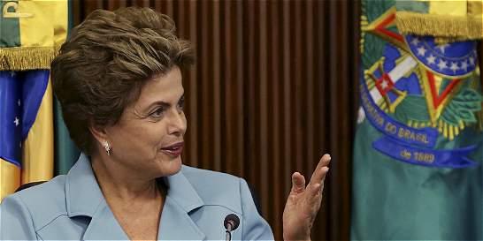 Corte Suprema decide que proceso contra Rousseff debe empezar de nuevo