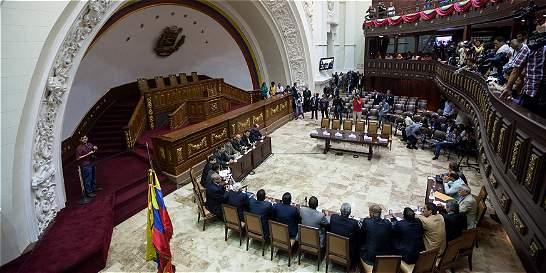Ministros venezolanos se niegan a comparecer en la Asamblea Nacional