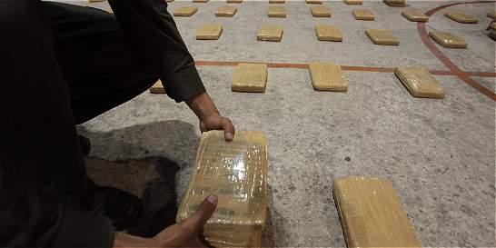 Arrestada pareja colombiana en Guatemala con 10 paquetes de cocaína