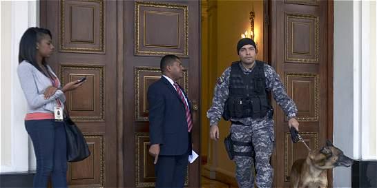 Reportan explosión de bajo poder cerca del Parlamento de Venezuela