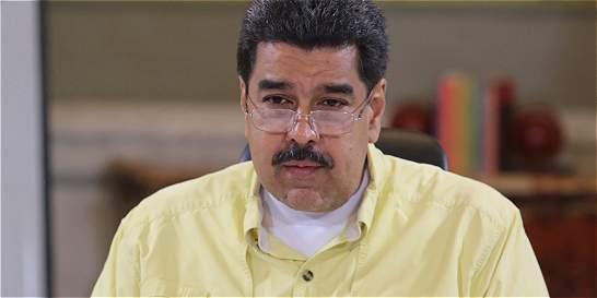 Maduro niega primera ley que sacará la Asamblea Nacional