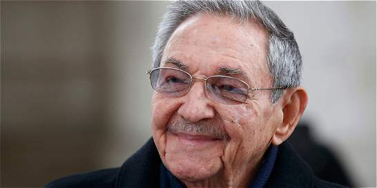 Empieza visita de Raúl Castro a Francia, dominada por temas económicos