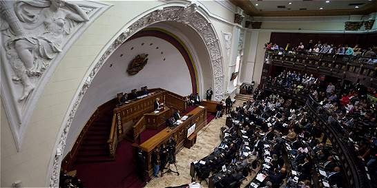 Oposición venezolana, lista para recortar mandato de Nicolás Maduro