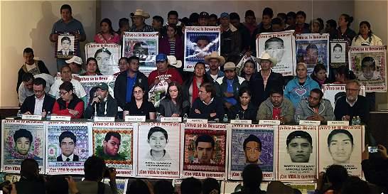 Desmienten otra vez que 43 estudiantes de Ayotzinapa fueran quemados